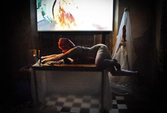 Laura Dee Milnes, The artist in her studio (2016). Photo by Liza Maria Dawson
